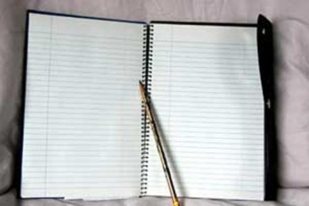 دفترچه مشق دخترک